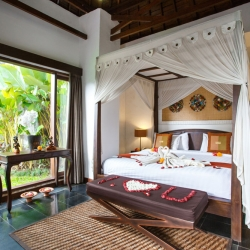 Villa master bedroom Raya Villa resort Ubud
